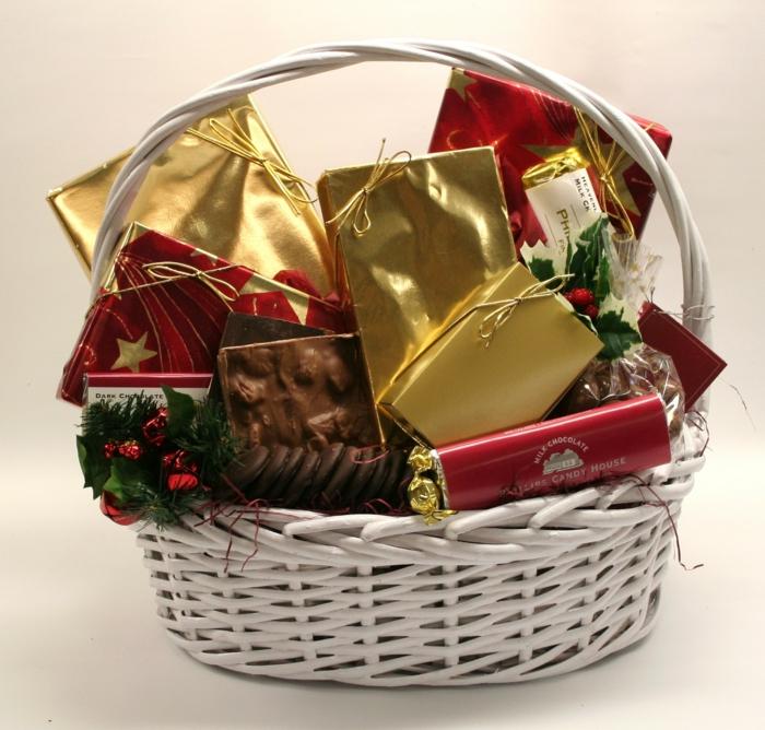 geschenkideen für freundind geschnekideen freund trueffel mit nuessen vollmilch zimt korb