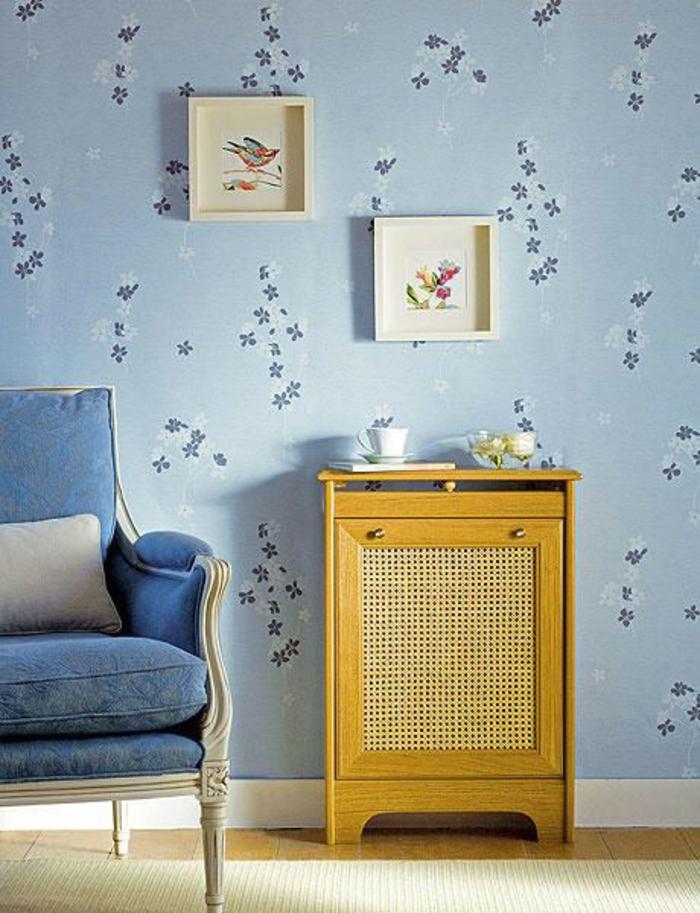 heizkörperverkleidung wohnzimmer schrank rokoko sessel tapete florale muster