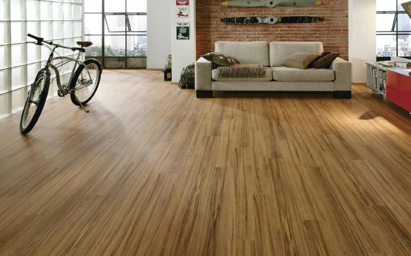 laminat verlegen bodenbeläge wohnzimmer Holzboden