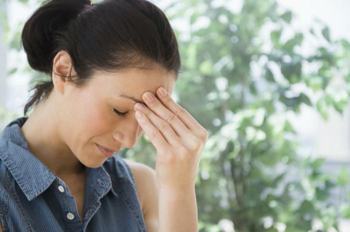 magnesium mangel frau migräne symptome erkennen