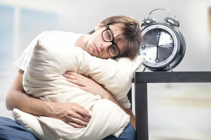 magnesium mangel schlaflosigkeit zeichen erkennen tipps