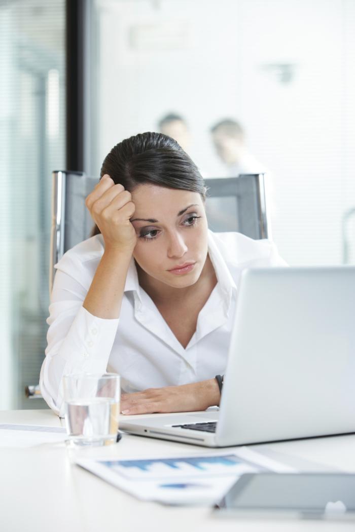 magnesiummangel symptome frau arbeitsplatz müde