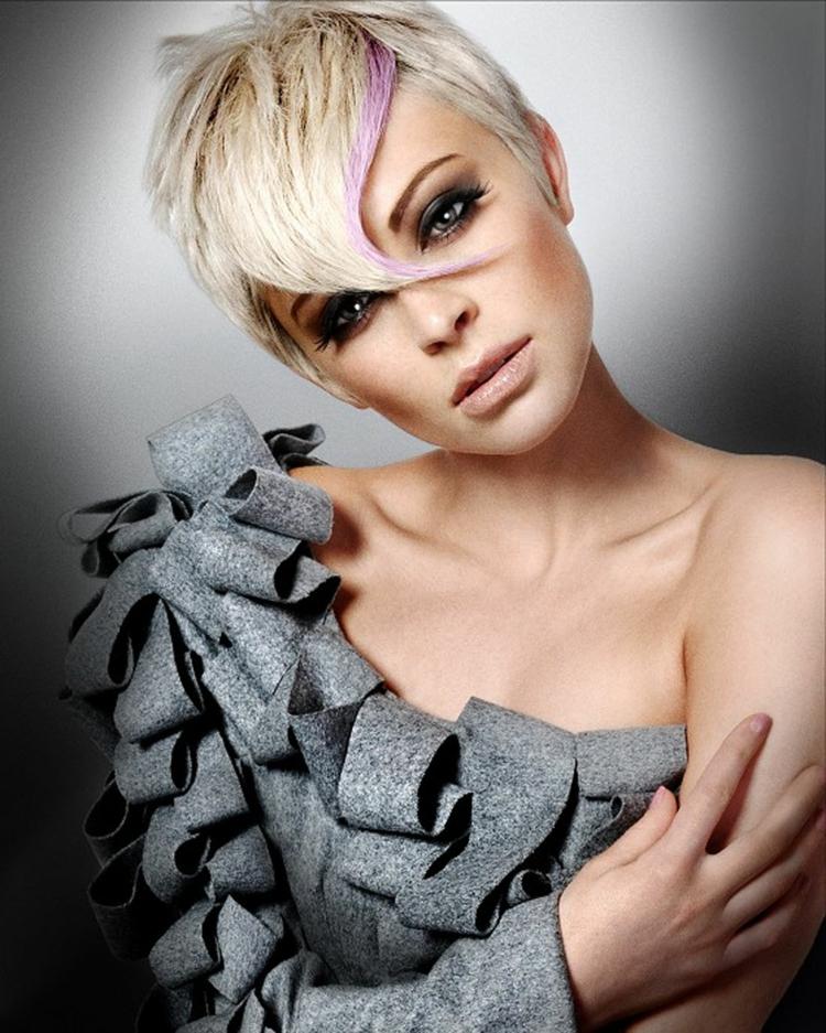 moderne Damenfrisuren kurz blond Schminktipps Augen