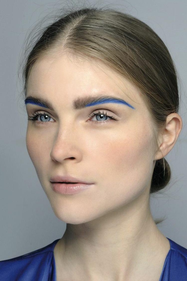 moderne Damenfrisuren und Schminktipps Augen Blau
