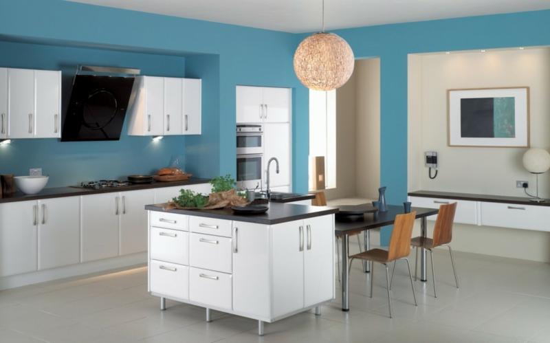 moderne wandfarben küche wandfarbe blau trendfarbe