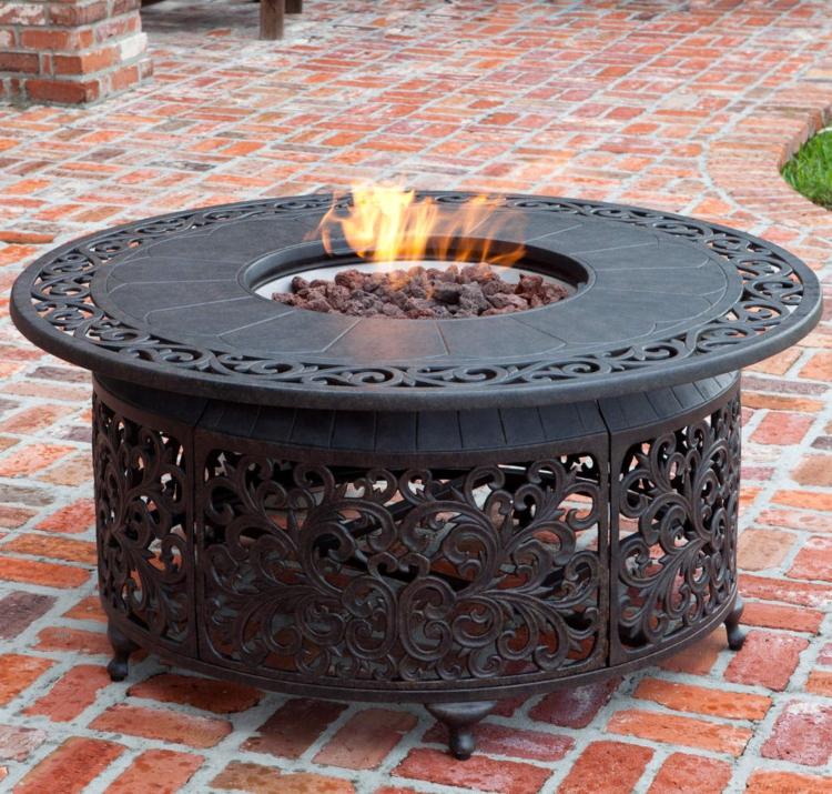 mit einem outdoor gaskamin l sst sich der sommer beliebig. Black Bedroom Furniture Sets. Home Design Ideas