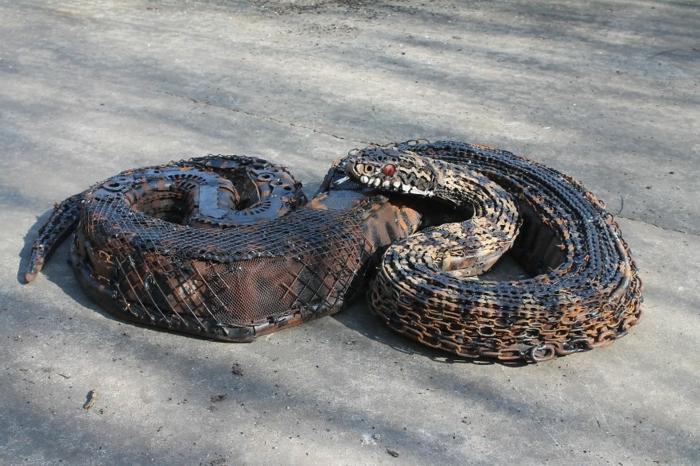 recycling basteln metall tierfigur natter otter keuzotter kunst