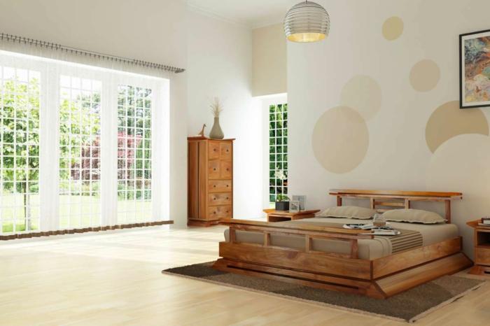 schlafzimmer ideen holzbettgestell kommode dezente wandtapete