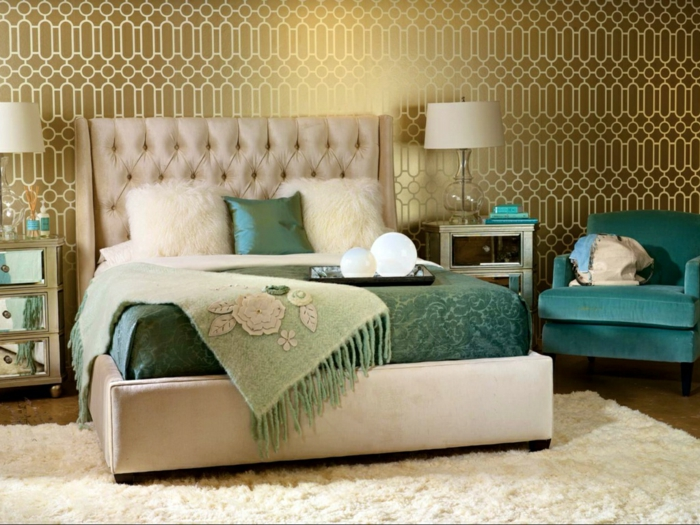 schlafzimmer ideen wandtapete geometrische muster gold weiß wanddekoration wandgestaltung