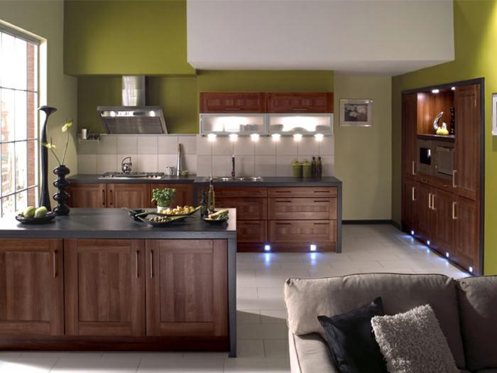 wände streichen ideen küche gestalten grüne wände weiße wandfliesen küchenfliesen