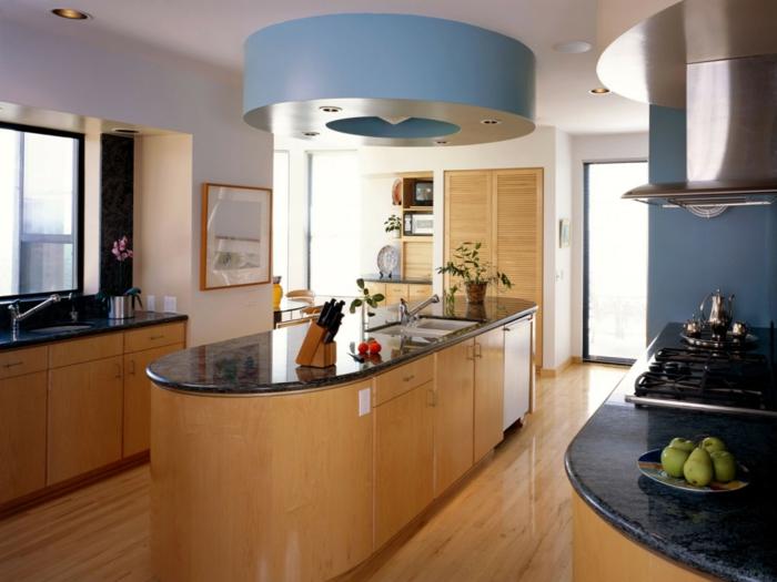 wände streichen ideen küche blaue akzentwand kücheninsel