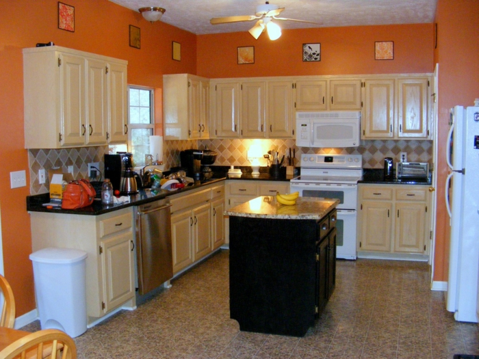 What To Paint Kitchen With Oak Cabinets