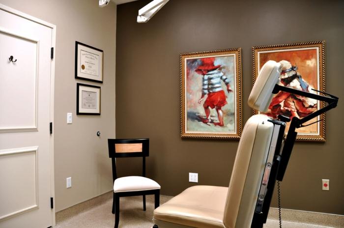 wanddesign wandgestaltung wandfarbe farbgestaltung wohnzimmer brauner hintergrund