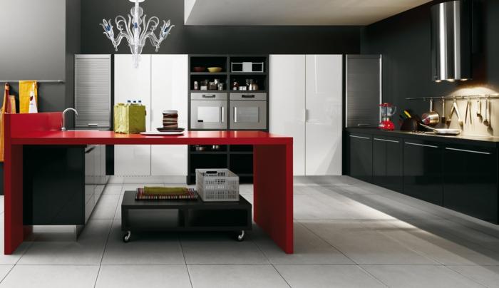 wandfarbe küche dunkle wände roter küchentisch leuchter helle bodenfliesen