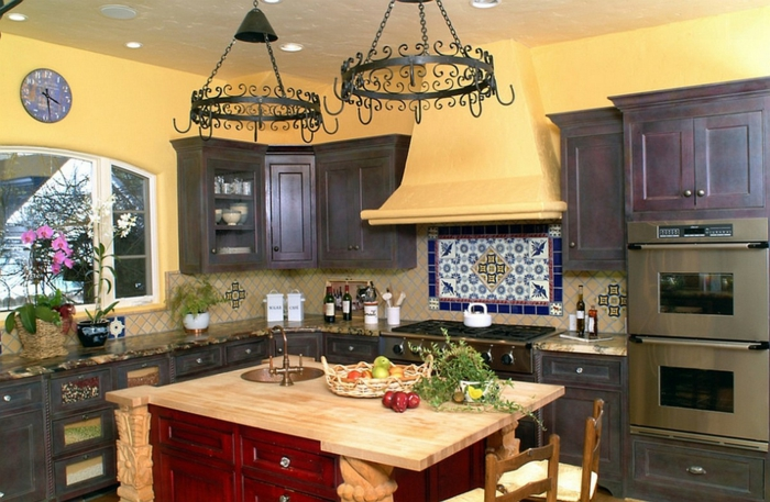 wandfarbe küche gelbe küche kücheninsel blumen