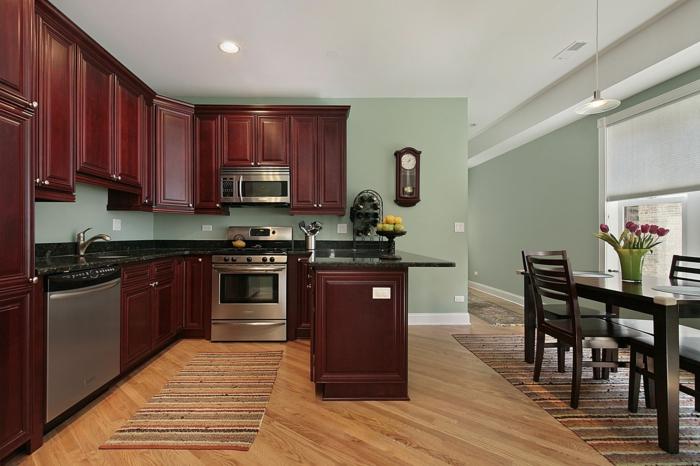 wandfarbe küche hellgrün teppichläufer traditionelle küchenschränke