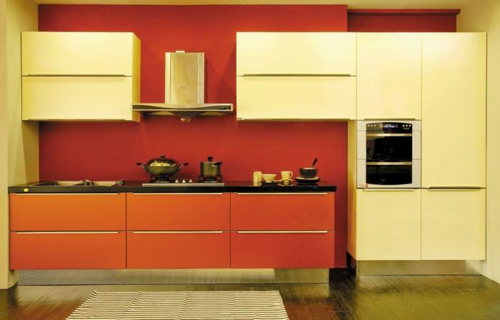 wände streichen ideen küche rote wandgestaltung orange küchenschränke küchendesign ideen