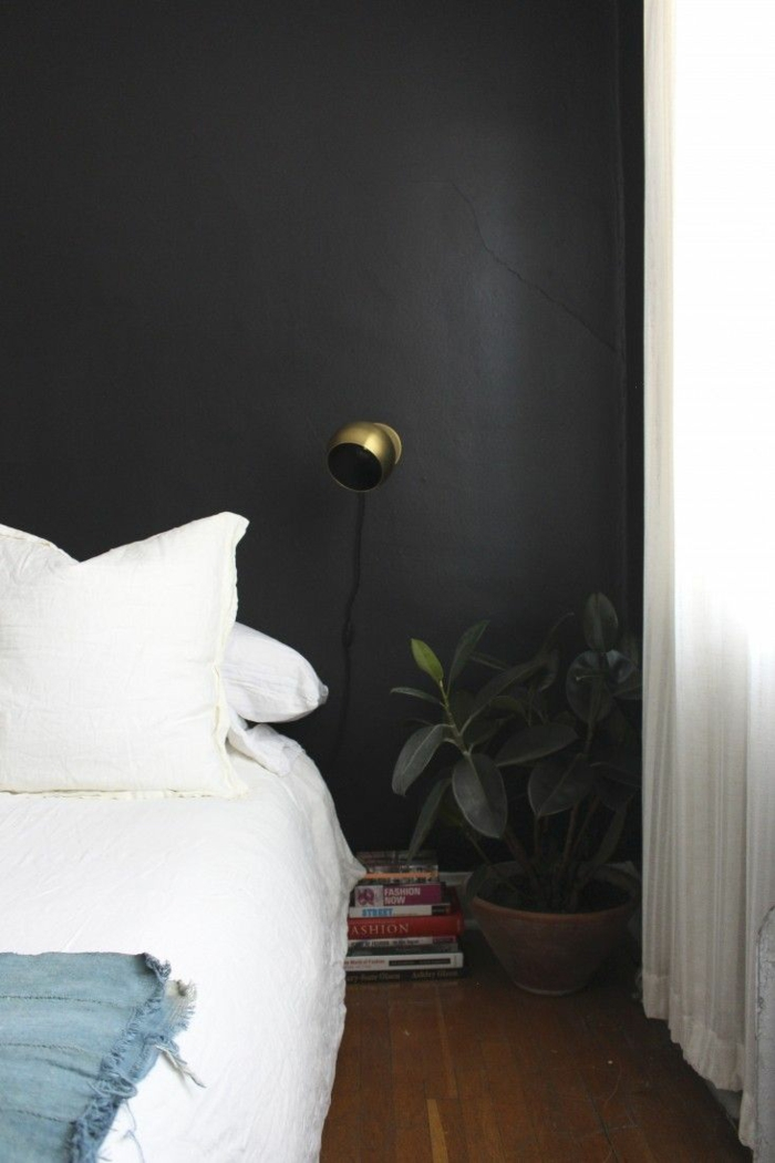 wanfarben ideen schwarze wände luftige gardinen weiße bettwäsche
