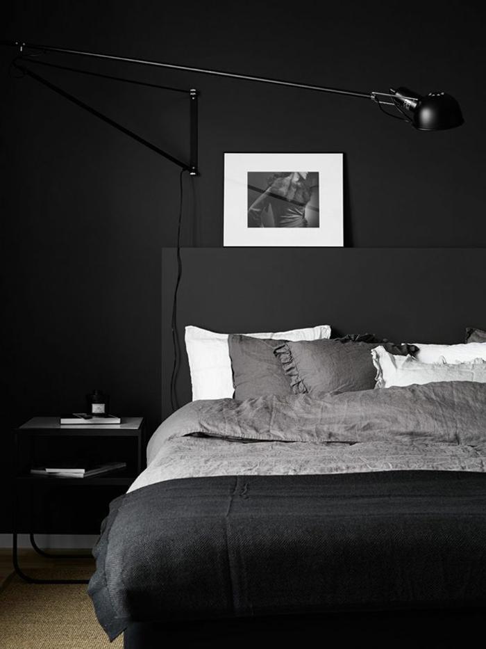 wanfarben ideen wohnideen schlafzimmer schwarze wände sisalteppich