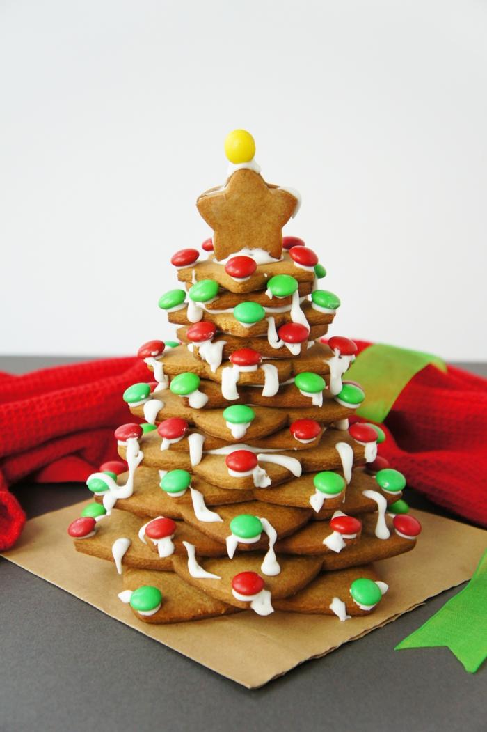 weihnachtsbaum künstlich künstlicher weihnachtsbaum test durch wand wandsticker lebkuchen