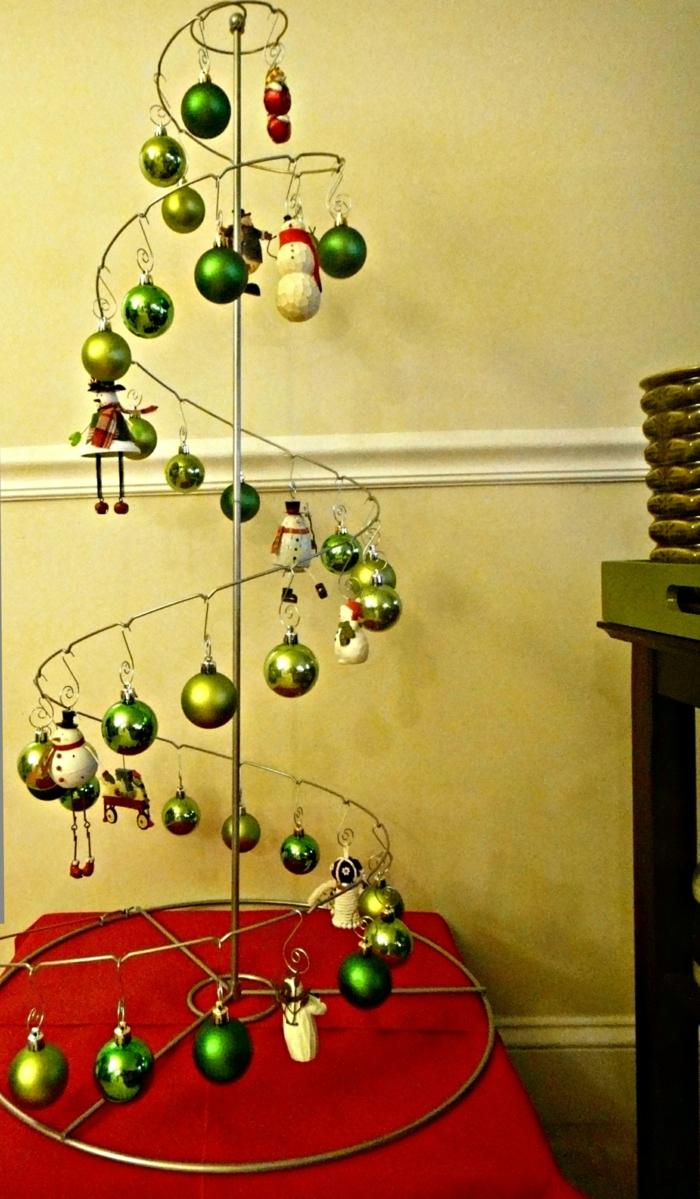 weihnachtsbaum künstlich künstlicher weihnachtsbaum test wand wandsticker spirale