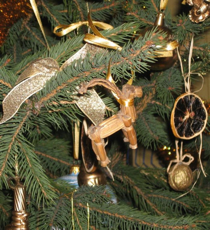 weihnachtsdeko ideen weihnachtsbaum weihnachtsanhänger skandinavischer stil