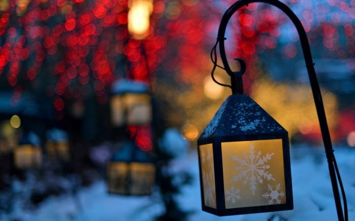 weihnachtsdekoration aussen weihnachtsschmuck lichterkette blumentoepfe laterne