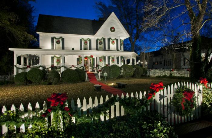 weihnachtsdekoration  weihnachtsschmuck zaun nachts