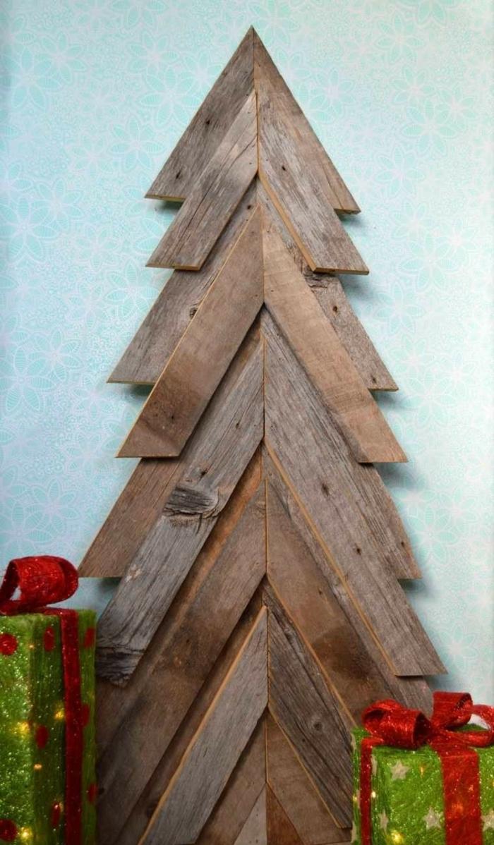 weihnachtsdekoration ideen christbaum selber machen holzbohlen wanddekoration weihnachtsbaum