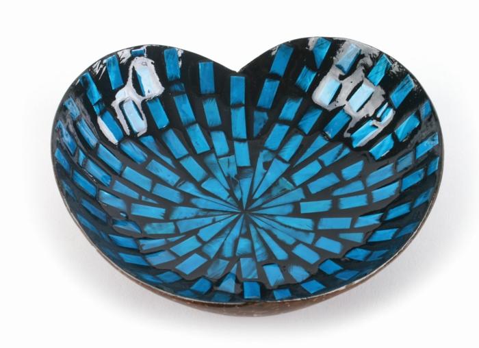 weihnachtsgeschenkideen fair trade kokosnuss schale herz blau el puente