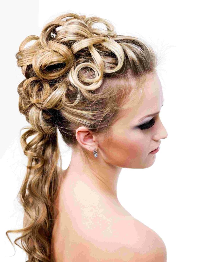Brautfrisuren lange Haare Locken blonde Haare