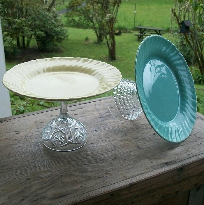upcycling ideen kuechenutensilien aus alt macht neu Coole Bastelideen DIY bastelideen alte küchenkrams glas teller tortensatz