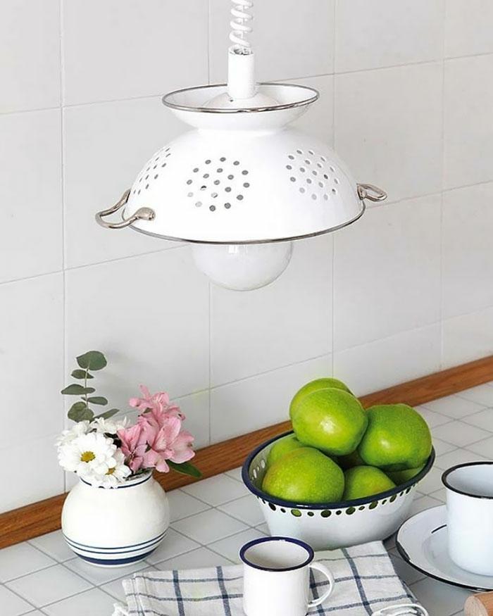 upcycling ideen kuechenutensilien aus alt macht neu Coole Bastelideen DIY bastelideen alte küchenkrams küchenleuchte