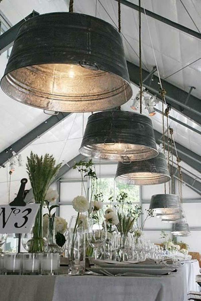 upcycling ideen kuechenutensilien aus alt macht neu Bastelideen DIY bastelideen alte küchenkrams rustikale lampen