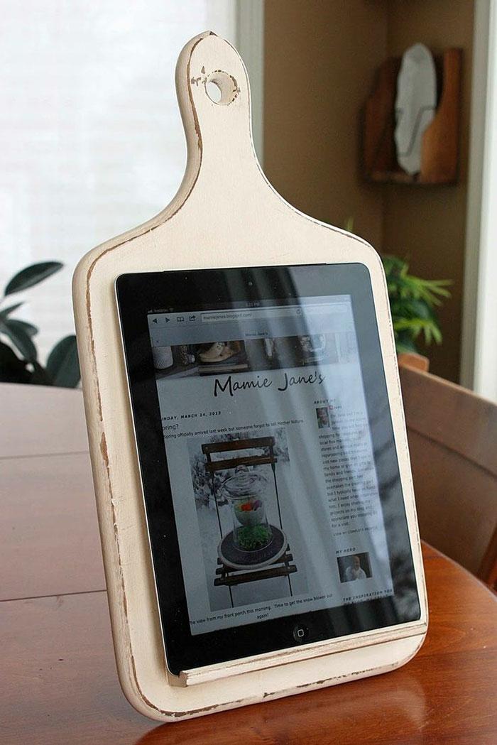 upcycling ideen kuechenutensilien aus alt macht neu Bastelideen DIY bastelideen alte küchenkrams tablett ablage