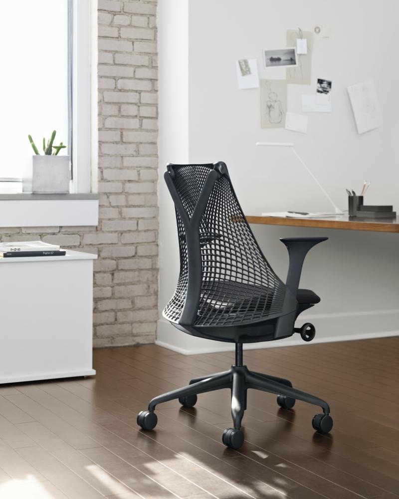 ergonomischer b rostuhl sch den an der wirbels ule verhindern. Black Bedroom Furniture Sets. Home Design Ideas