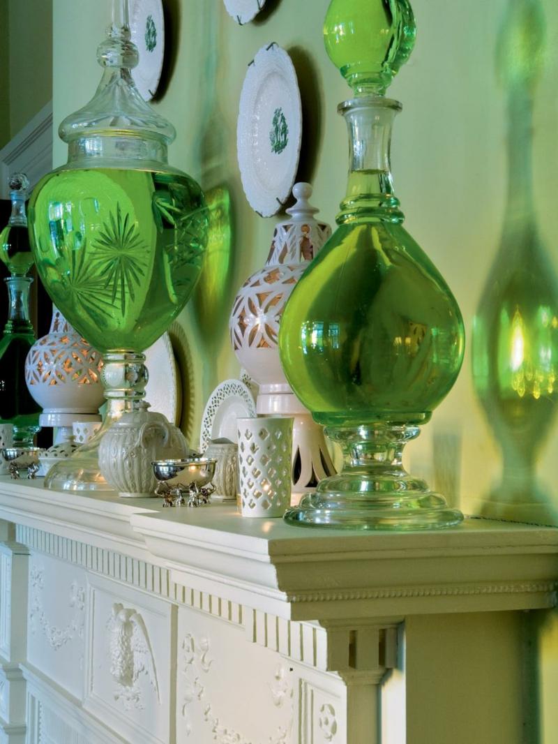 Einrichtungsideen Wohnzimmer Wandfarbe Grün Kamin Deko