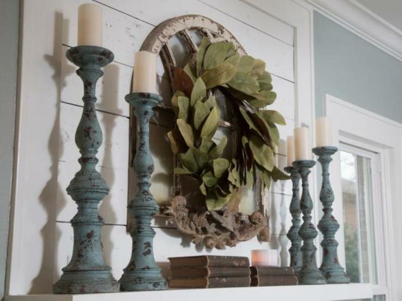 Einrichtungsideen Wohnzimmer Wandgestaltung Kamin Deko Kaminsims Kerzenständer