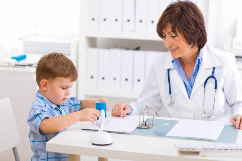 Eltern und Kinder abnehmen professionelle Beratung