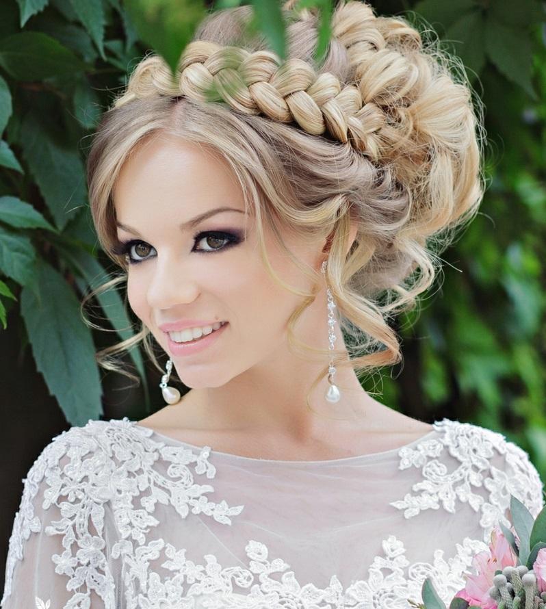Flechtfrisuren Hochzeit lockige Haare lang