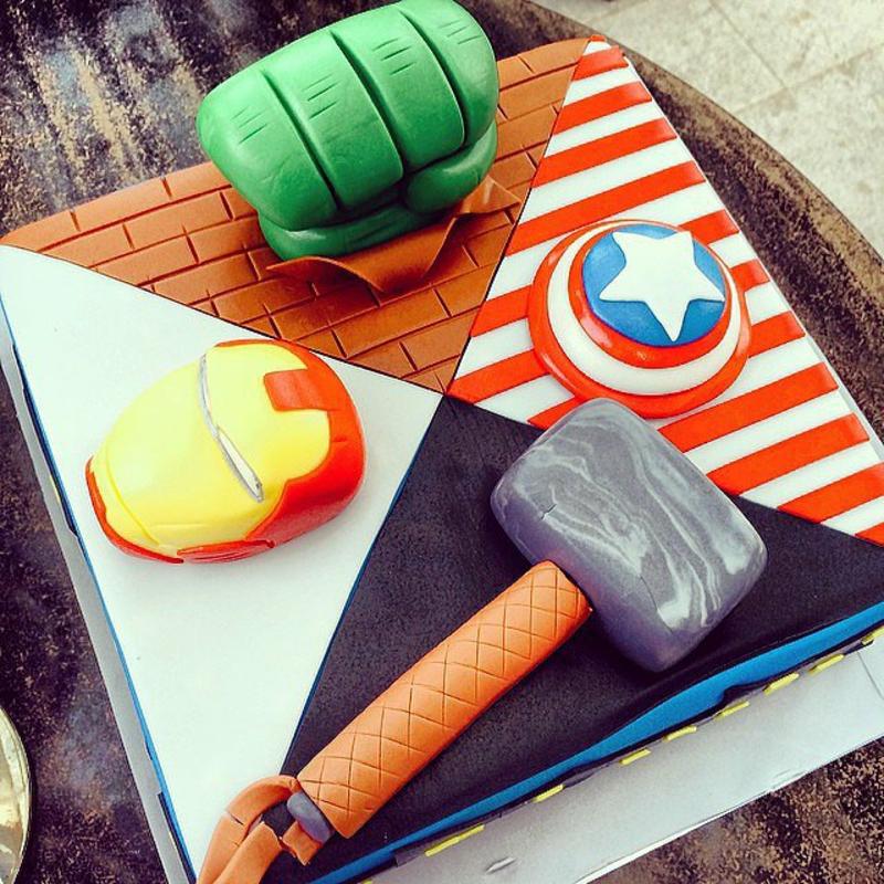 Geburtstagstorten Bilder Kindergeburtstagstorte Superhelden