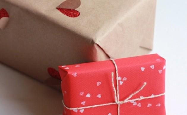 Geschenke-zum-Valentinstag-schön-verpacken-Liebeserklärung