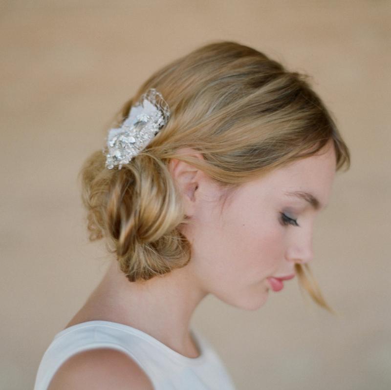 Hochzeitsfrisuren kurze Haare Haarschmuck Hochzeit