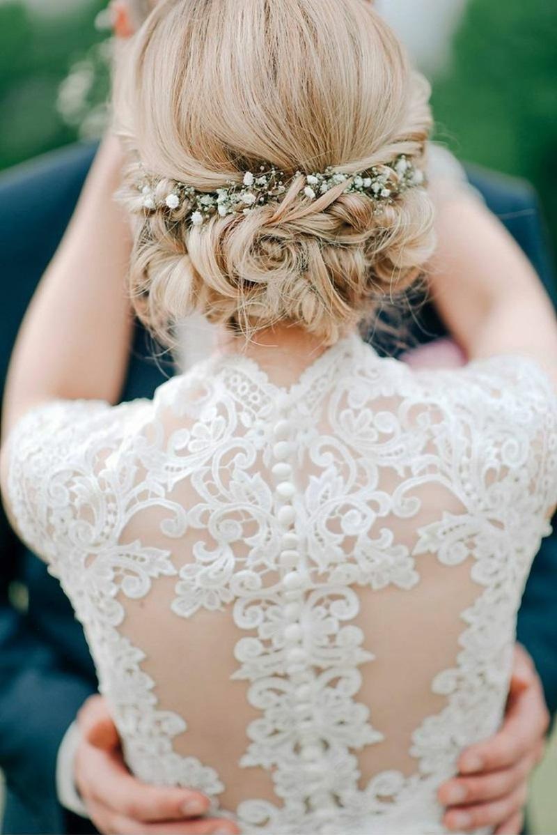 Hochzeitsfrisuren lange Haare Steckfrisur mit Blumen Haarschmuck