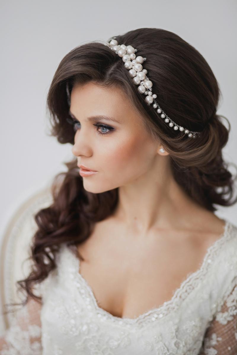 Hochzeitsfrisuren lange Haare mit Diadem