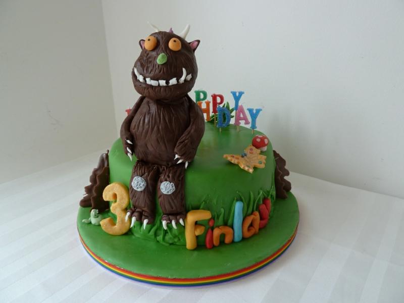 Kinder Geburtstagstorte Bilder grüne Tortendeko