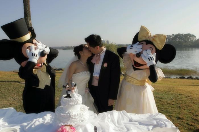 Lustige Hochzeitsbilder Bildergalerie Micky Maus Hochzeitstorte