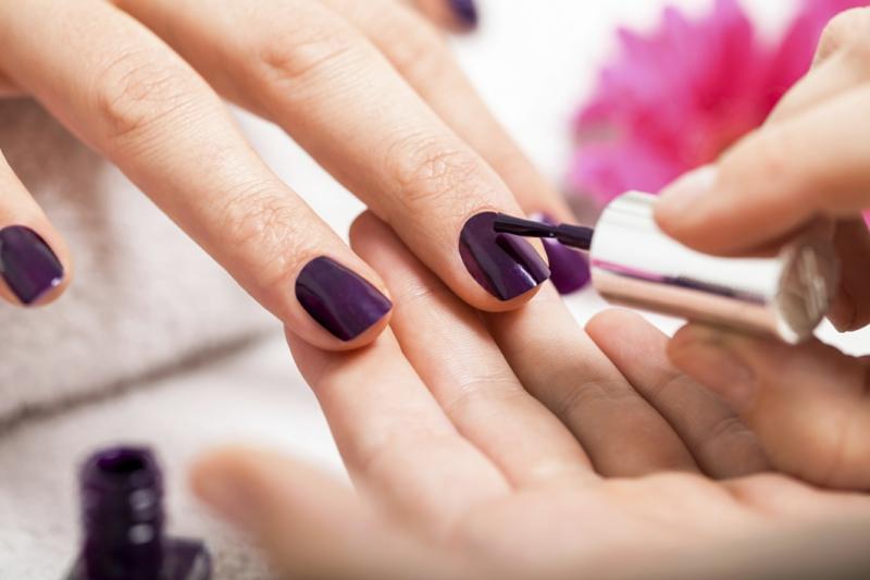 nagelpflege tipps f r schnell wachsende sch ne und gesunde fingern gel. Black Bedroom Furniture Sets. Home Design Ideas