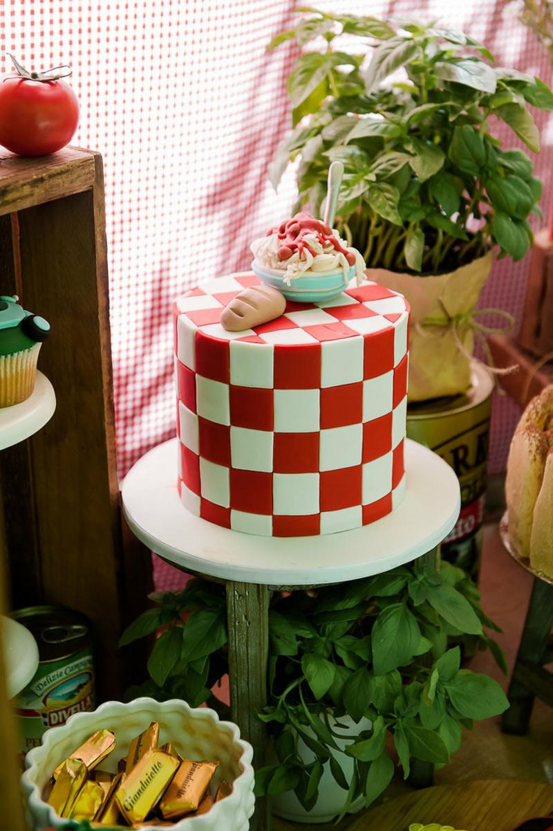 Pasta Kindertorte Geburtstagstorten Bilder Tortendeko Schachbrettmuster rot weiß