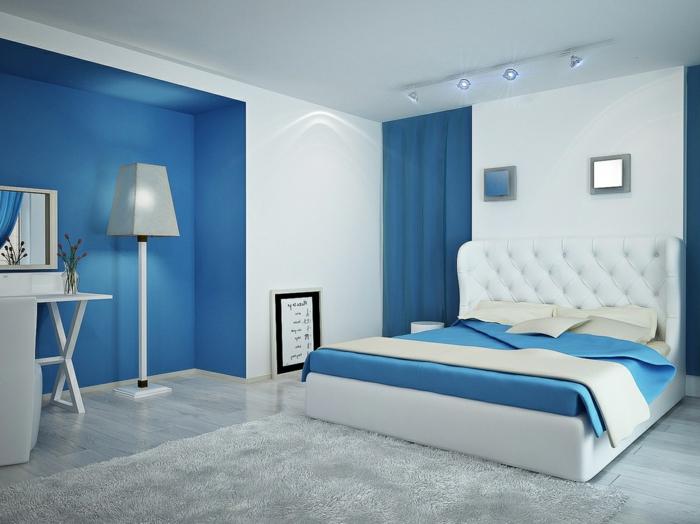 Schlafzimmergestaltung Ideen Wandfarbe blau Akzentwand